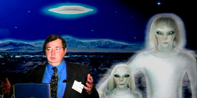 Air Force Veteran & Nuclear Physicist: 'Extraterrestrials Are Working With US Government'