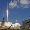SpaceX Postpones Flight Plans to Send Space Tourists Around Moon