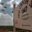 New mass sighting of UFO over infamous alien town ROSWELL being probed